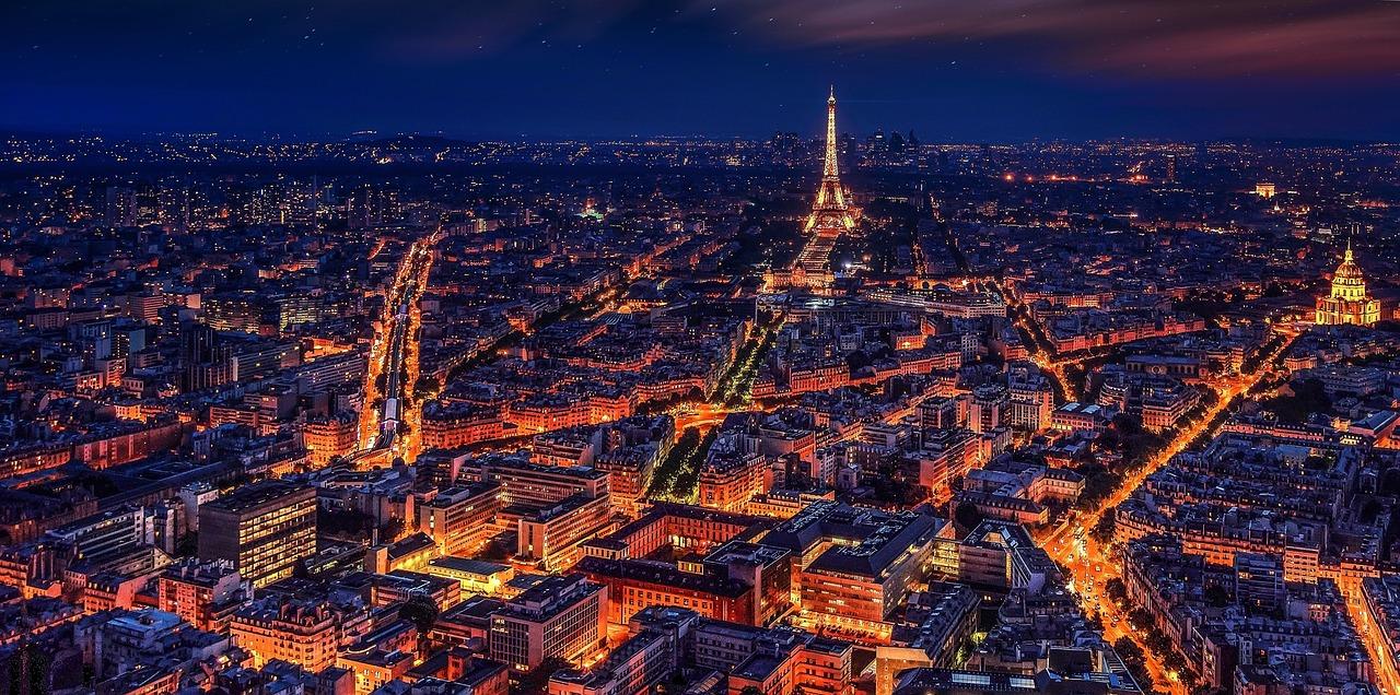 paris-rotulos-luminosos-noche